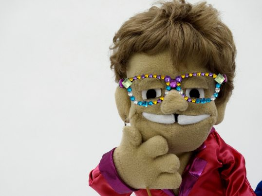 elton-jone-puppet